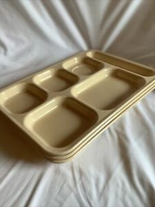 Cambro Carlyware 6 Compartment Lunch Food Tray Tan Cafeteria School 3 Trays