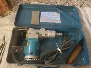 Makita Model Hr2511 1 Corded Rotary Hammer W Metal Carrying Case Accessories