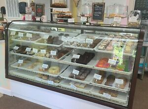 Used Vintage Commercial 4 Shelf 6 Ft Lighted refrigerated Bakery Display Case