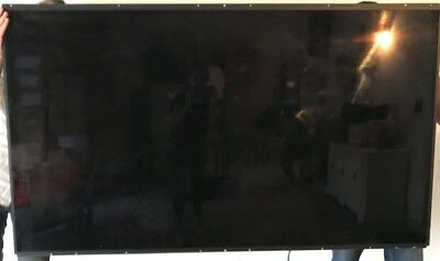 "Samsung Outdoor Tv, 75"" D-led, Sunlight Readable, In Very Good Condition"