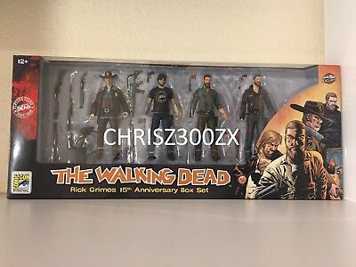 Sdcc 2018 Skybound The Walking Dead Rick Grimes 15th Anniversary Box Bloody Set