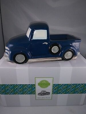 Scentsy Wax Melt Warmer Blue Retro Truck Christmas 1950 Chevy Special Delivery