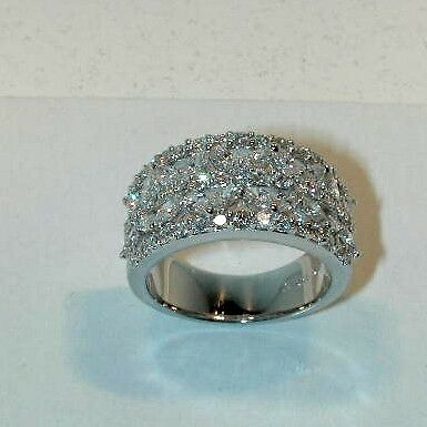 Marquise And Round Diamond Band In 18kt Wg