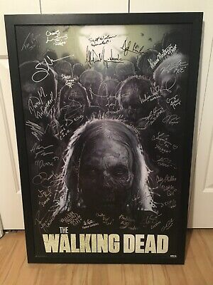 The Walking Dead Poster Signed 33 Times Rick Michonne Daryl Negan....