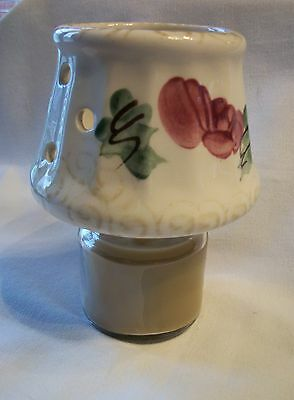 Levine Gifts Small Jar Yankee Rose Shade With Jar Candle - 2 Pc Set In Euc