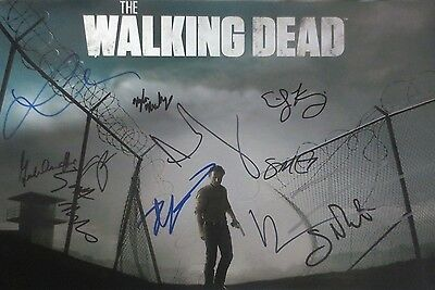 The Walking Dead Season 4 Cast Signed Photo 12x18