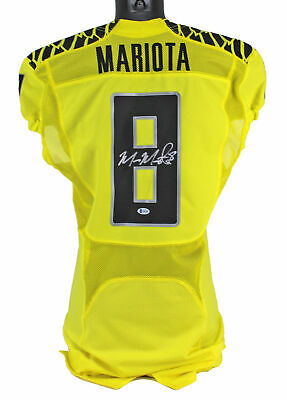 Oregon Marcus Mariota Signed Yellow Nike Game Issued Jersey Bas #q65587