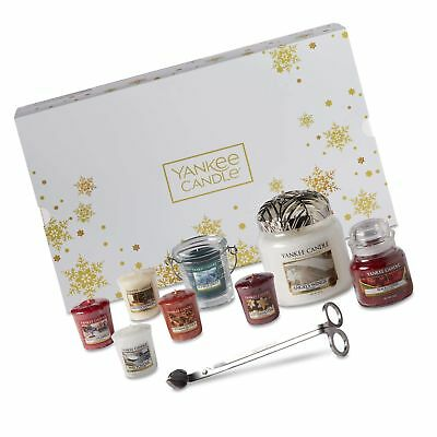 Yankee Candle Christmas Gift Set With Scented Candles & Accessories, 11-piece...