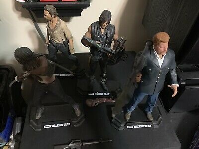 Mcfarlane Toys The Walking Dead Rick Grimes Michonne Daryl Abraham Color Tops