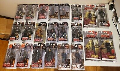 The Walking Dead Skybound Exclusive 22 Figure Collection Mcfarlane Toys