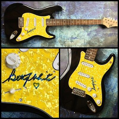 Gfa The Golden Girls * Betty White * Signed Electric Guitar Ad1 Coa