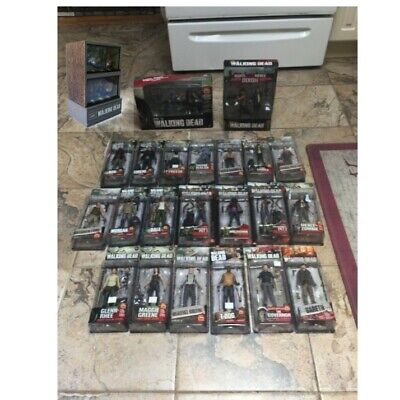 Mcfarlane Toys The Walking Dead Action Figure Lot Of 23 Figures + Head Fish Tank