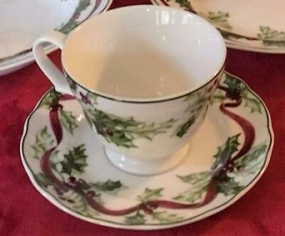 Charter Club Winter Garland Cup & Saucer Near Mint Holly Free Priority Or Fedex