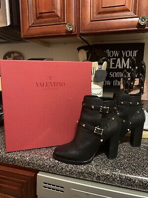 *new* 100% authentic valentino rolling leather rockstud black boots size 37