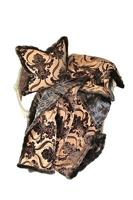 Luxurios Throw New 100% Silk And Faux Fur Throw And Pillow Set