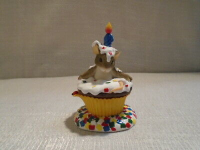 Charming Tails Happy Birthday Surprise Mouse Cupcake Figurine 89/117