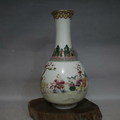 A Fine And Rare Chinese Qing Dynasty Famille Rose Porcelain Vase Lamp.