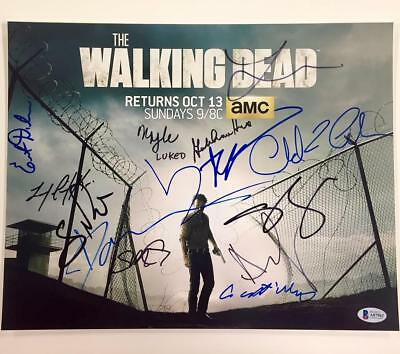 The Walking Dead X15 Cast Signed 11x14 Photo * Beckett Bas Coa ~lincoln
