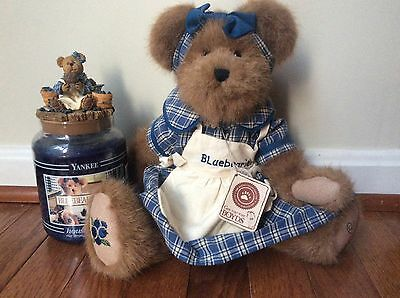 "Boyds Exclusive Bear ""muffin B. Blueberry"" Yankee Candle 22oz~candle-topper~bear"