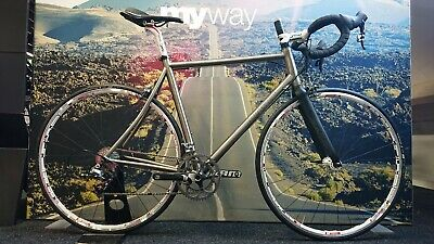 Very Exclusive Hand-built Italian Titanium Roadbike Rewel