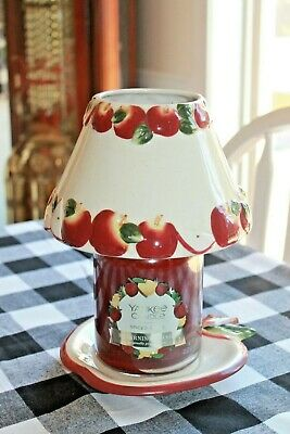 """Vintage Yankee Candle """"mactintoch Apple"""" Shade And Matching Plate Set"""