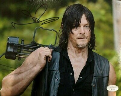 Daryl Dixon Photo Signed By Normal Reedus With Jsa Authentication