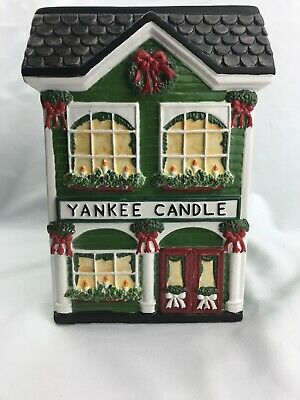 """Yankee Candle Christmas """"candle Store"""" Preowned 7.5""""h"""
