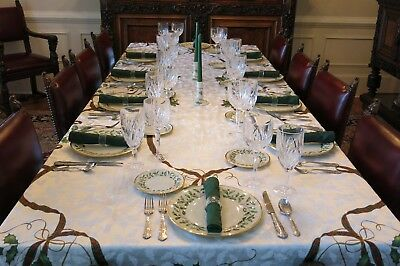 Lenox Holiday Collection Fine China Dinnerware 129 Pieces - Excellent Condition