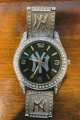 Mens Yankee Watch Stainless Steel Very Good Condition