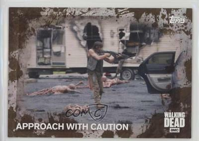 2016 Topps The Walking Dead Season 5 Mud 29/50 #39 Approach With Caution 3c7
