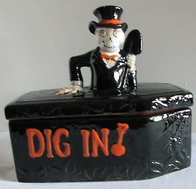 Yankee Candle Boney Bunch 2014 Dig In Coffin Candy Dish 2 Piece
