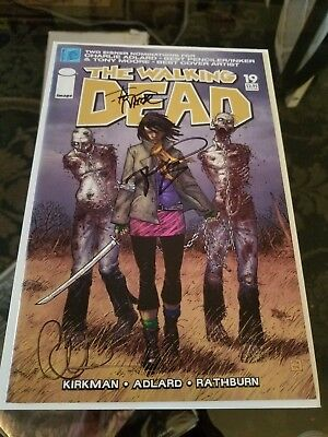 Walking Dead #19 Signed Robert Kirkman, Charlie Adlard, Tony Moore 1st Michonne