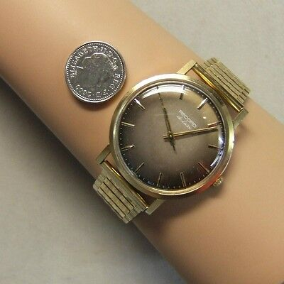 9 ct gold second hand gents record bracelet watch