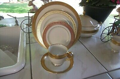 Lenox China (6) 5 Pps Westchester Usa Gold Encrusted Band  (30 Pieces)