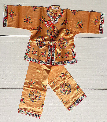 Cina (china): Very Fine Chinese Vintage Embroidered Dress Robe
