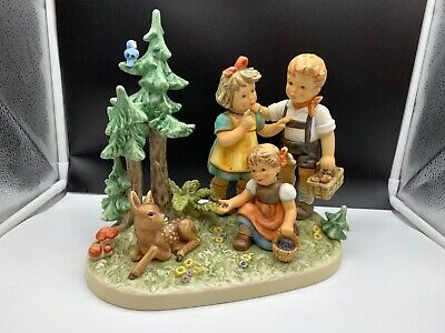 Hummel Figure 2320 Stroll Through The Forest - Psst Quiet 9 13/16in 1 Wahl, Top
