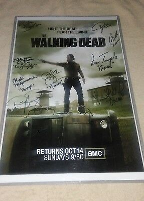 The Walking Dead Season 3 Promotional Poster **autographed** (9)