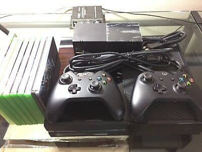 Original Xbox One 500 Gb System With 2 Controllers And 5 Games.