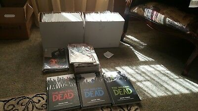 The Walking Dead Comic Collection. 5 Issues Signed By Kirkman, Tons Of Extras!!!