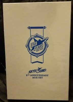 Sdcc 2015 Exclusive Skybound 5th Anniversary Box Set Unopened & Sealed