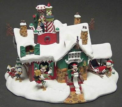 Disney Christmas Winter Wonderland By Danbury Mint Excellent Condition new&used