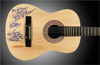 Martha Reeves & The Vandellas (martha Reeves) - Guitar Signed With Co-signers
