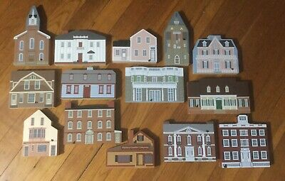Lot 15 Cat's  Meow Village Collectors Club, Cape May, Yankee Candle, Longfellow