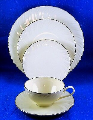 """Lenox: """"weatherly"""" 67 Piece China Service For 12 With 7 Serving Pieces - Estate"""