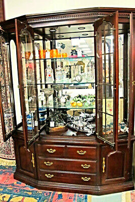 Thomasville Signed Mahogany Breakfront China Cabinet Bookcase Cupboard Curio
