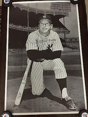 New York Yankee Great Mickey Mantle Autographed B/w 22 X 35 Poster