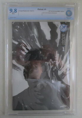 Outcast #1 Cbcs 9.8 Nm/mt Sdcc Skybound 5th Anniversary Like Cgc Black White
