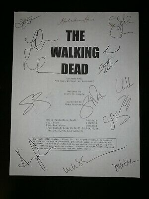The Walking Dead Authentic Script Cover Signed By 2013 Cast (15)