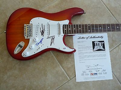 zz top band signed autographed electric guitar billy frank and dusty psa certified