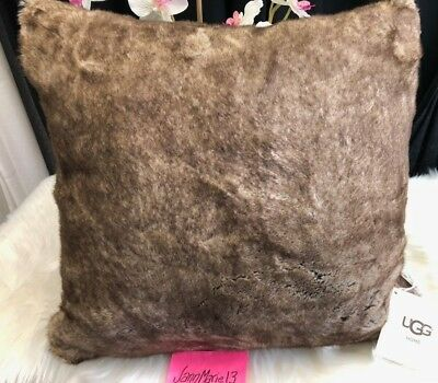 New! Ugg Home Dream Faux Fur  20 X 20 Throw Pillow Cocoa Brown So Soft